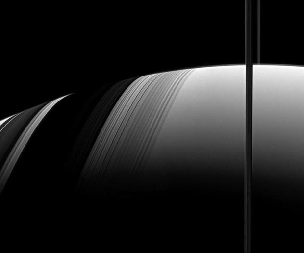 Saturn9_cassini_900