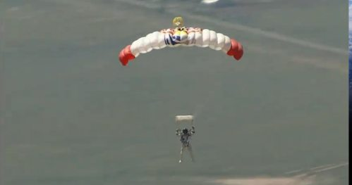Felix-baumgartner-free-fall-16