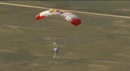 Felix-baumgartner-free-fall-17