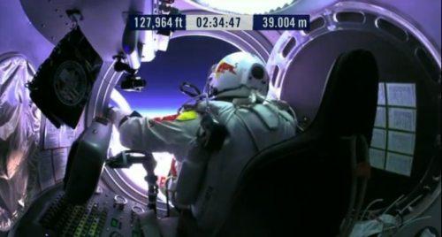 Felix-baumgartner-free-fall-21
