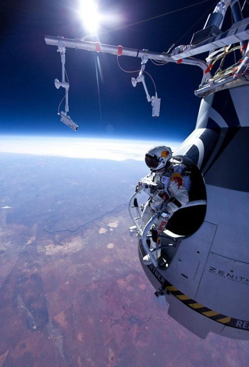 Felix-baumgartner-free-fall-5