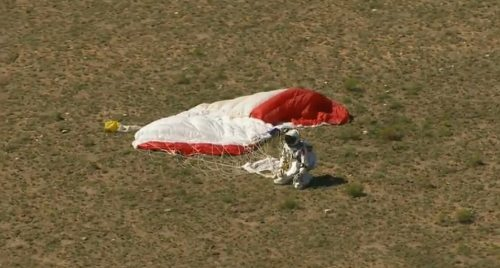Felix-baumgartner-free-fall-6