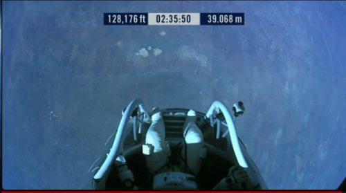 Felix-baumgartner-free-fall-7